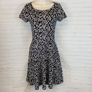Black and white floral dress short sleeve 2